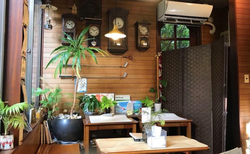 新馬場おしゃれカフェのいちょうの木
