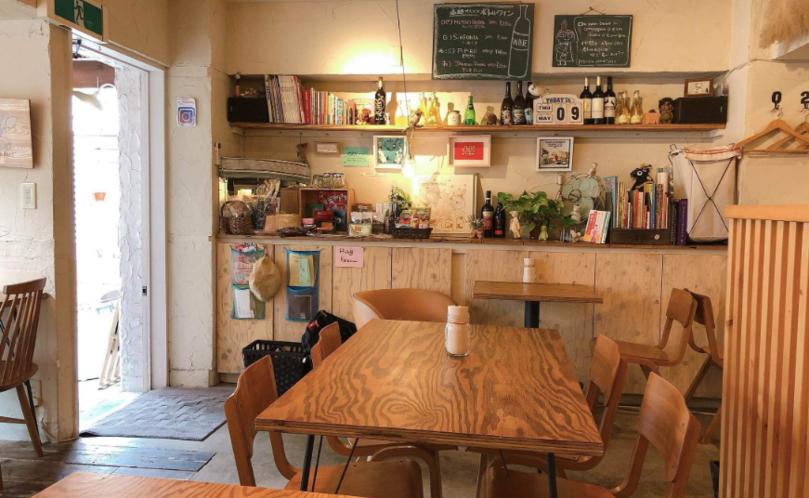 高田馬場おしゃれカフェの凸凹キッチン